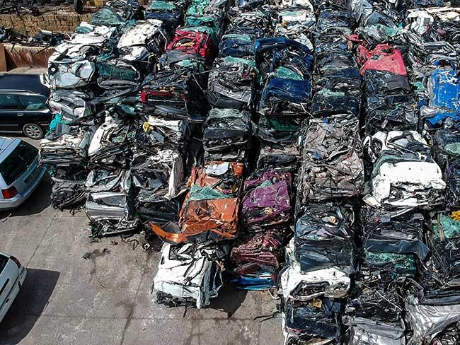 Autoverwertung und Fahrzeugverschrottung   CA Recycling
